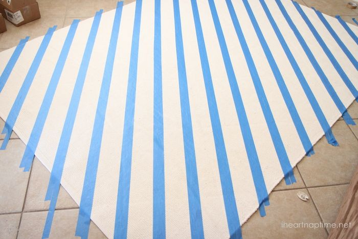 How to make rugs with paint - Pictured { TUTORIAL }   I Heart Nap Time - Easy recipes, DIY crafts, Homemaking