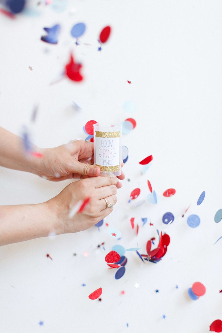 DIY Push Pop Confetti (perfect for the 4th of July!)  Photography: Ruth Eileen - rutheileenphotography.com