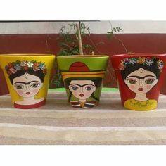 Macetas Pintadas Frida Kahlo - $ 140,00