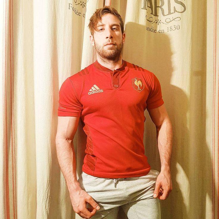 """""""Les gars il va falloir s'y mettre. Sortir les mains des poches parce que si vos couilles explosent yen a un paquet qui vont devenir manchots...""""  --- ___ --- ___ --- ___ --- ___  #gymlife #bodybuilding #body #fitnessaddict #fitness #shredz #fitspo #fit #teamshape #rugby #muscle #muscles #fitnessjourney #gymfreak #equipedefrance #fitbody #fitfam #nopainnogain #trainhard #musculation #bodyfitness #fitfrenchies #gains #transformation #shredded #maillot #instafit #gainz #workout #motivation"""