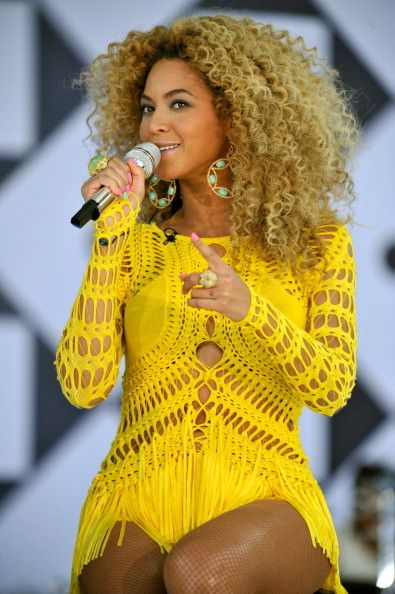 Beyoncé performs on ABC Good Morning America  at Rumsey Playfield, Central Park on  01.07.2011 in New York City.