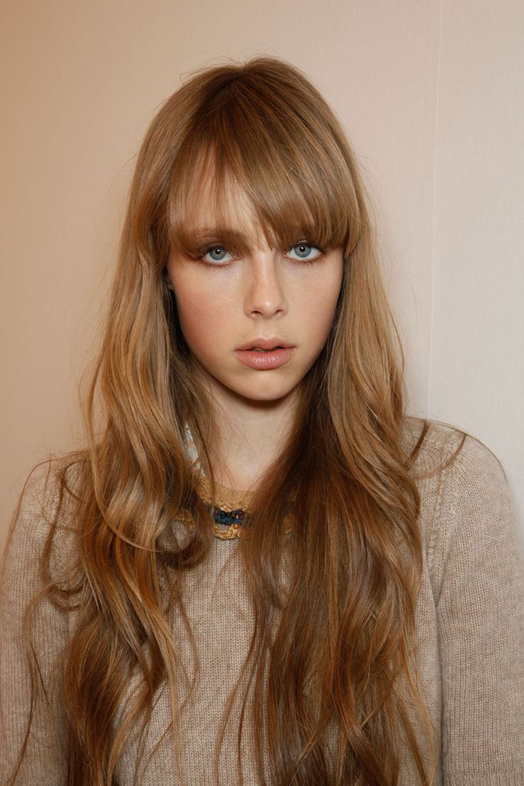 Edie Campbell at Burberry Prorsum Spring 2012 Backstage