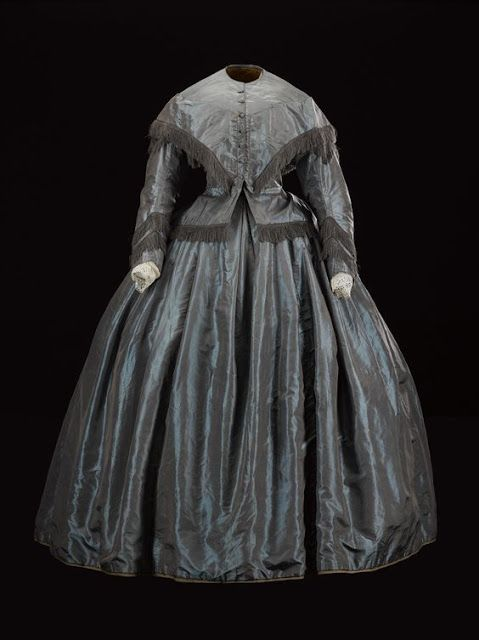 Woman's dress, in brown and blue shot silk, ca. 1860-63 | In the Swan's Shadow