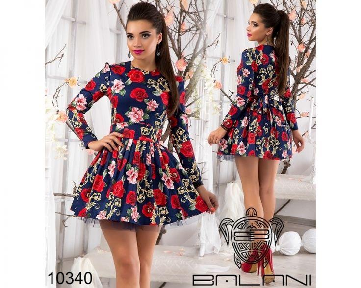 Очаровательное платье с пышной фатиновой юбкой темно-синий /принт красные крупные розы