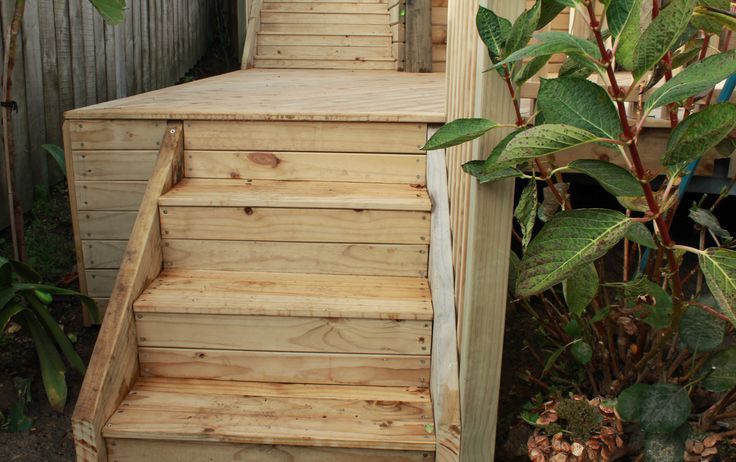 Decking Steps and Balustrade