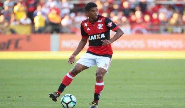 Com o desejo de deixar o Flamengo, Márcio Araújo é investigado pelo Vasco