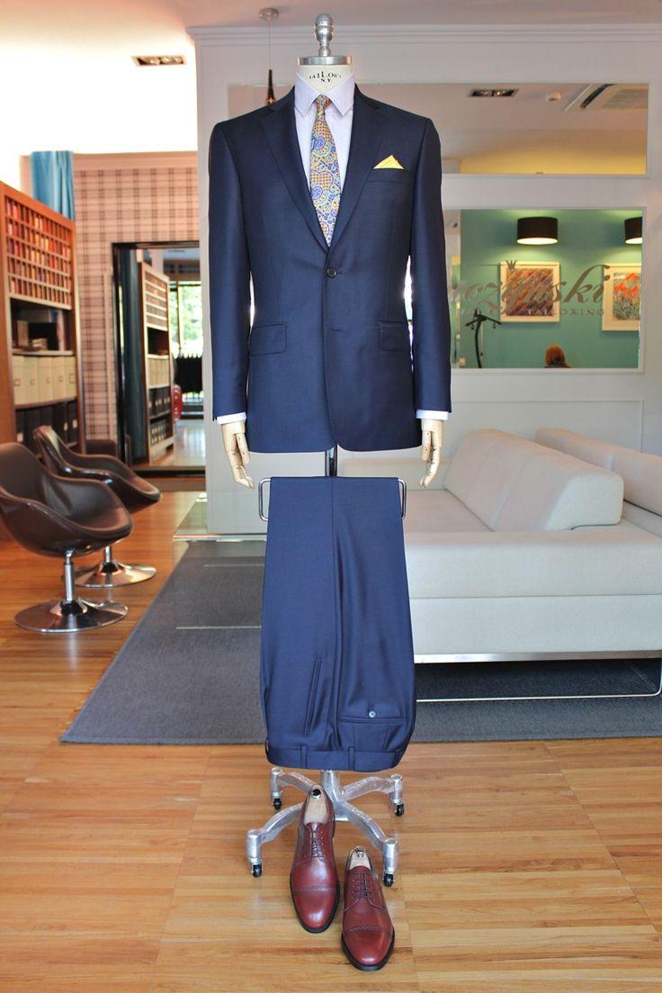 https://www.facebook.com/media/set/?set=a.10153534489249844.1073742517.94355784843&type=3  #fashion #style #menswear #mensfashion #mtm #madetomeasure #buczynski #buczynskitailoring #drago #fitnes #suit #tailoring #vantage #navysuit