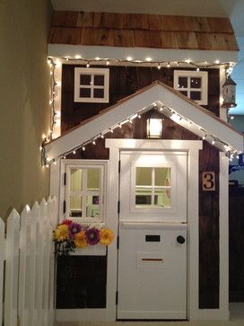 Kids Playhouse Idea (under stairs) ~ utilizing the empty space under the stairs.
