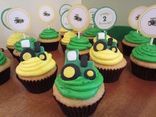 johndeere by LRENTFROW, via Flickr  John Deere Cupcakes made for my nephews 2nd birthday!