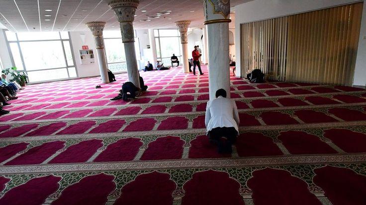 Un établissement scolaire allemand a demandé à ses enseignants de relever le nom des élèves musulmans en train de prier, jugeant la pratique «provocante». L'initiative a relancé la controverse sur la neutralité religieuse à l'école en Allemagne.