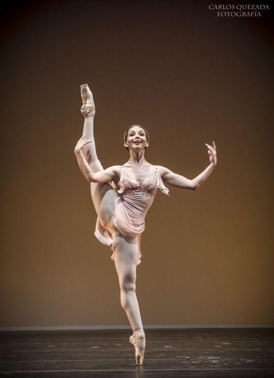 """""""Elisa and Friends"""" Ballet Gala, 2015. Elisa Carrillo Concert Hall. """"The Talisman"""" Pas de Deux - Marius Petipa. Evgenia Obraztsova and Alexandr Sergeev. Fotografía Carlos Quezada."""