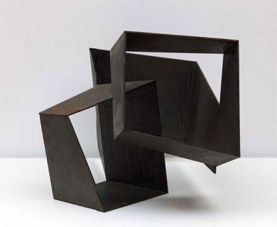 [Escultura] «Construcción con tres cuboides vacíos», Jorge Oteiza