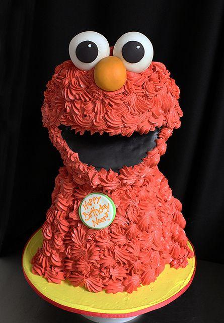 sculpted Elmo cake