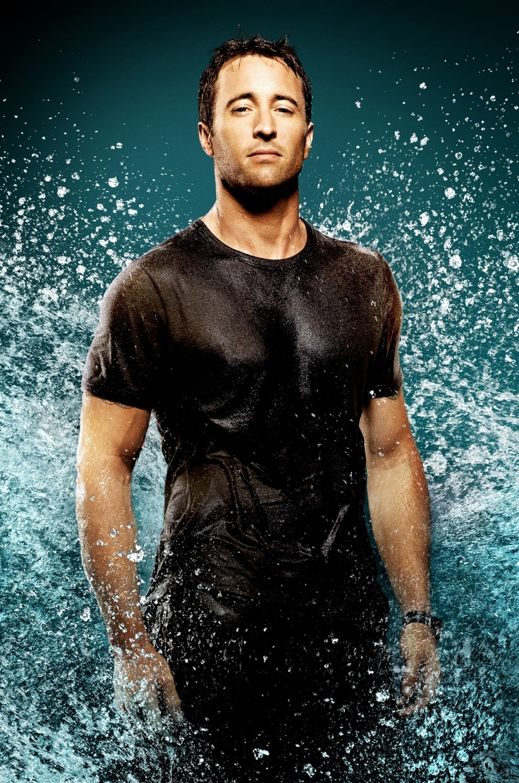 alex o'loughlin o yes. Wish he pulled us over in hawaii instead if the ugly cop :(