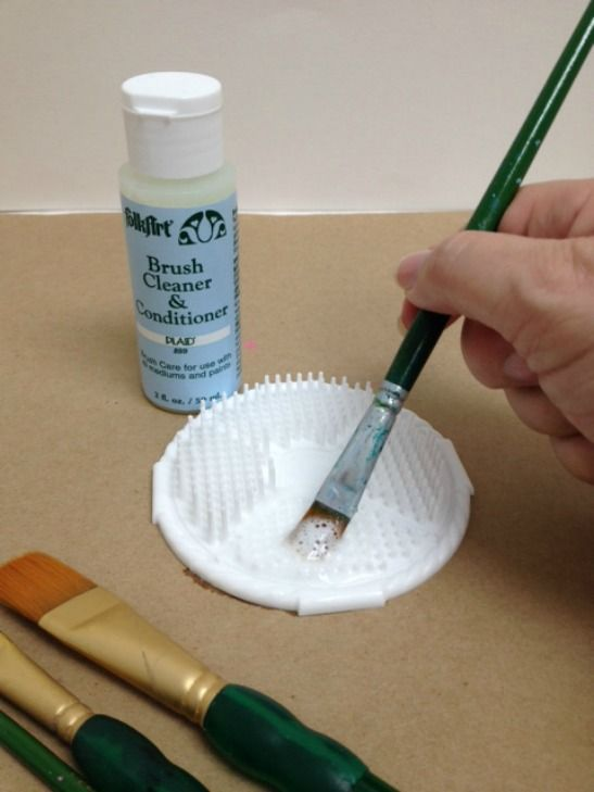 Top Ten Painting Tips from Plaid's Painting Pro by Chris Williams on the Plaid Palette blog.