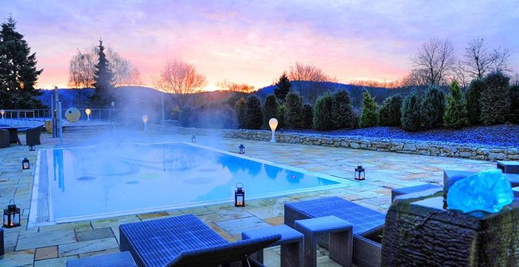 Outdoor Pool im Hotel Freund****S  #pool #swimmingpool #wellness #spa #wellnesshotel #relaxing #nature #germany