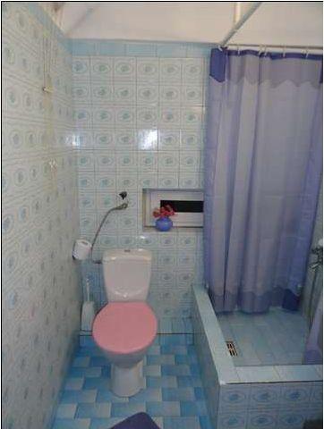 Mała łazienka w bloku. Czujnik wody - blog meble / wnętrza / diy