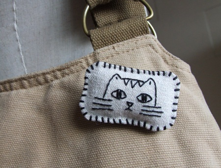 Cute Cat Brooch - I must have one of these !