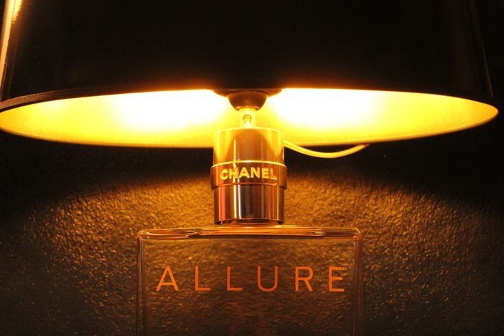 Unikate, Einzelstücke, Lampen, Chanel, Licht, Beleuchtung, funktionale Kunst, 'Allure' rare Chanel Allure giant factice shades black paint, inside gold One of a kind #unique #lamp #lighting #functionalart #factice
