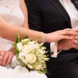 El Ministerio de Justicia ha querido aclarar que no hará falta que las personas con discapacidad auditiva grave tengan un informe médico para poder casarse