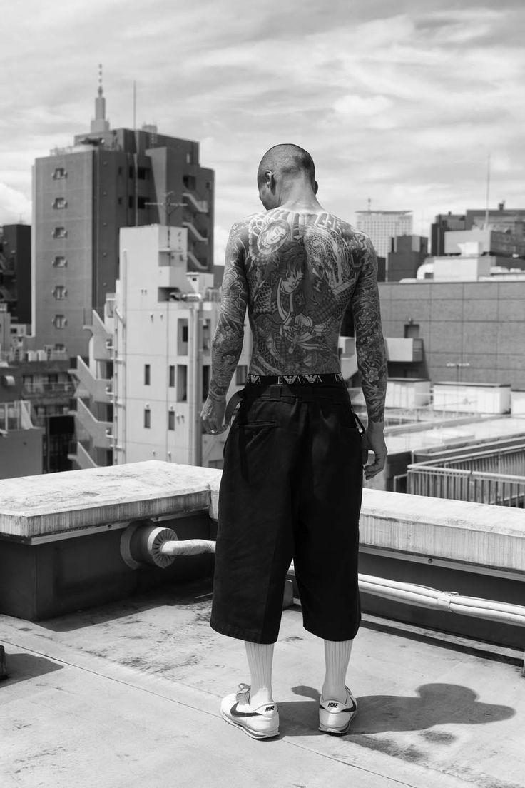Was würdest du machen, wenn du einem Killer und Yakuza-Mitglied gegenüberstehst? Fotograf Jesse Lizotte hat selbstredend zur Kamera gegriffen.