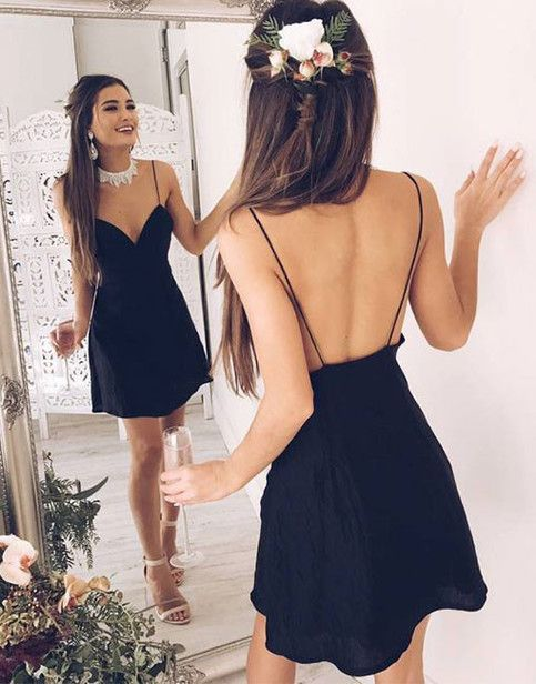 A-Line Spaghetti Straps Short Backless Black Homecoming Dresses