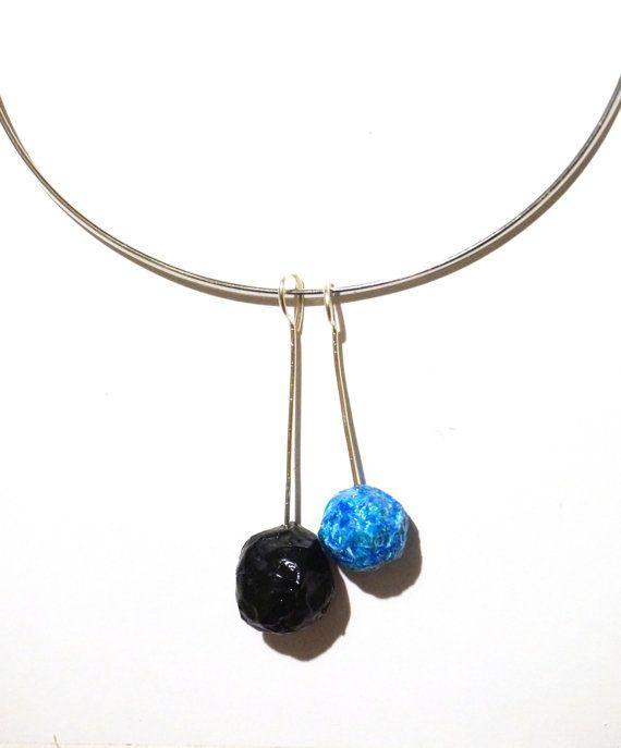 Minimalistisch en geometrische ketting met kralen blauw en blauw, harde kraag papier-maché, gratis verzending