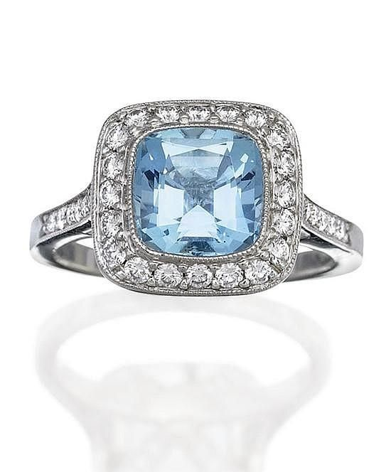 Aquamarine and diamond ring Tiffany & Co aquamarine and diamond ring T
