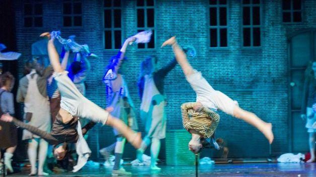 """""""Annie Jr Il musical dei giovanissimi:dal 19/12-23/12/15""""  Prenota la camera http://www.bedinmilano.com/"""