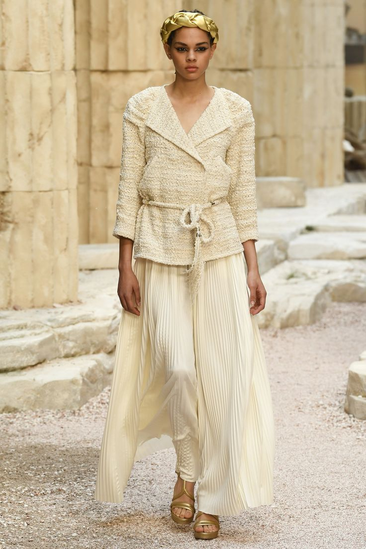 Pleating at Chanel Resort 2018 http://anoteonstyle.com/pleating-at-chanel-resort-2018/?utm_campaign=coschedule&utm_source=pinterest&utm_medium=A%20Note%20On%20Style&utm_content=Pleating%20at%20Chanel%20Resort%202018