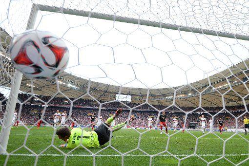 Der VfB ist aktuell Ligaschlusslicht mit 27 Punkten und 34:55 Toren (auf dem Bild: VfB-Torwart Sven Ulreich).  Foto: Getty http://www.stuttgarter-zeitung.de/inhalt.vfb-stuttgart-wenn-jedes-tor-entscheidend-sein-kann.f338de03-a0b4-4362-b15c-d3b24aa2a762.html