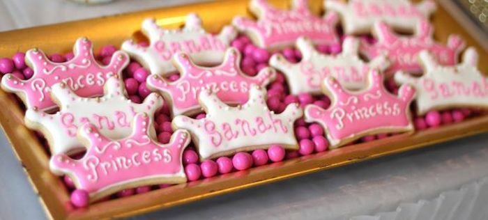THIS ONE HAS GREAT DETAILS! PERFECT FOR ELLA Pink + Gold Princess Themed Birthday Party