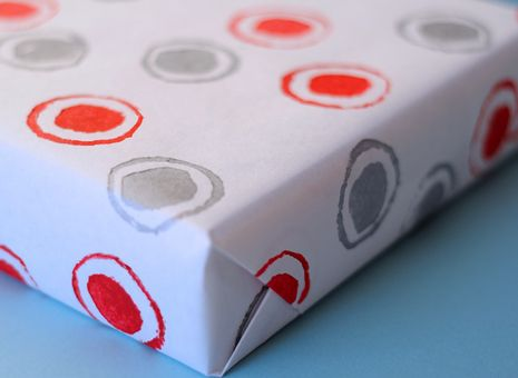 How To: Quick and Easy Hand-Printed Wrapping Paper