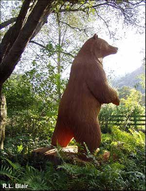 Wooden Bear Carving  www.BransonVacationRentalCabins.com