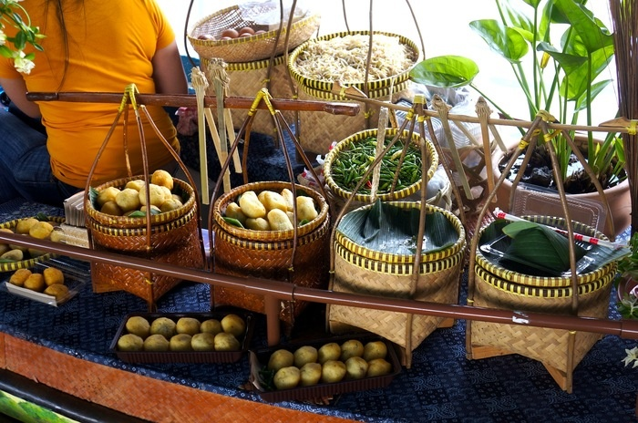 One of the food stall at Floating Market. Photo by Icha Rahmanti.