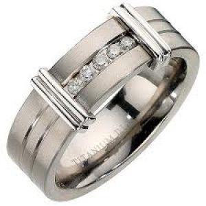 Photos of engagement rings - Luscious blog - diamond engagement rings.jpg
