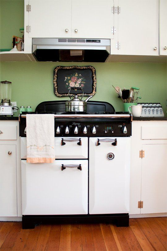 Rhiannon's Jadeite Jewel of a Kitchen {Miller Paint, called Green Glass 0751M}