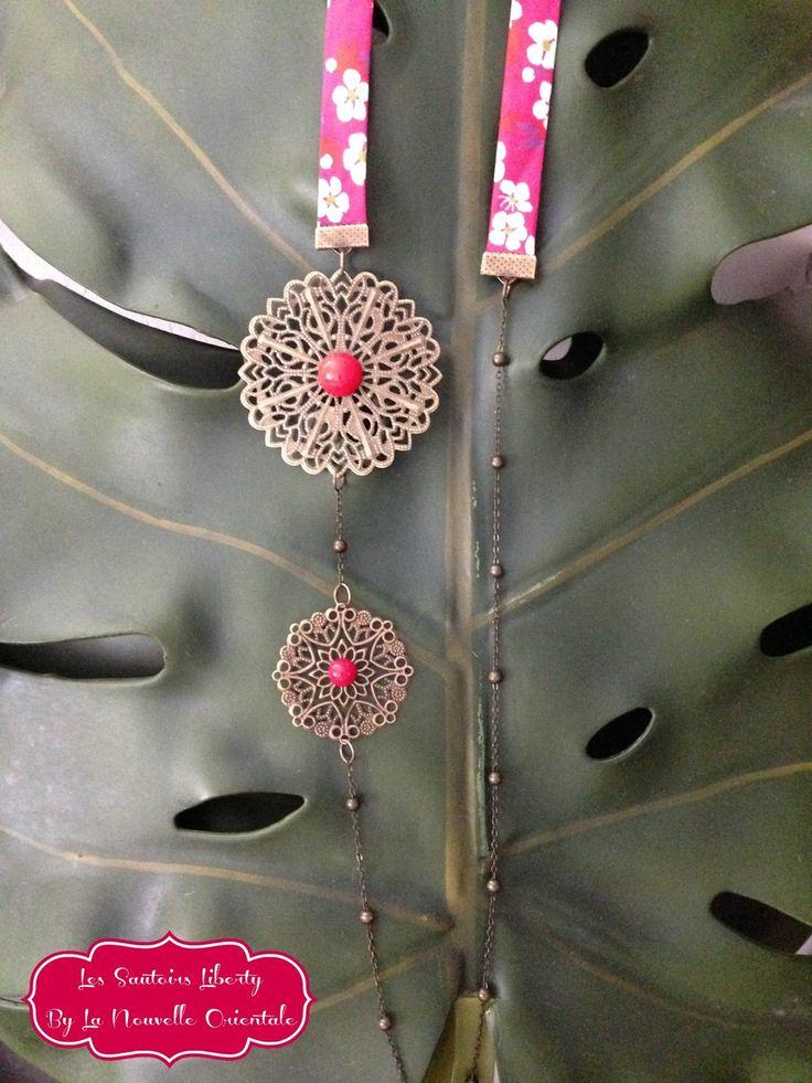 Sautoir Liberty motif cerisier japonisant - estampes en laiton décorées de pierre semi précieuses rouges - fine chaine en laiton : Collier par la-nouvelle-orientale