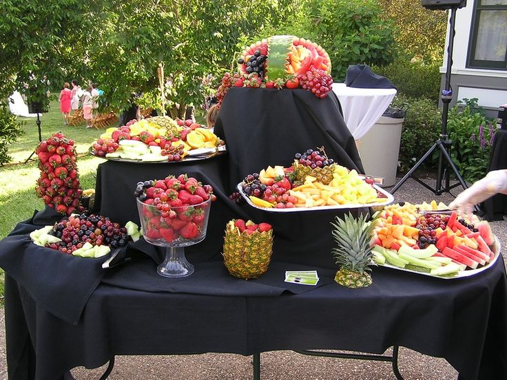 How about this fruit table for dad 39 s 80th birthday for Appetizer decoration