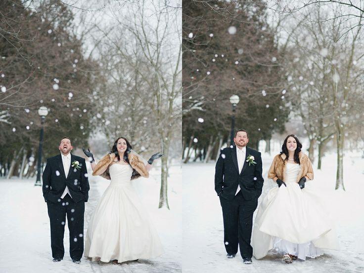 snowy winter wedding | Tara Lilly Photography