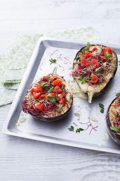 Le #melanzane #arrostite al #forno sono il piatto perfetto per l'estate, ricche…