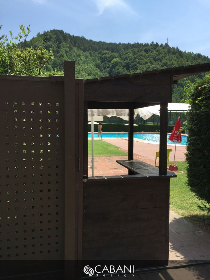 Caseta de jardín fabricada a base de tabla de pino gallego y estructura de palet para espacios exteriores, piscinas o jardin. #cabanidesign #mueble #exterior #jardin