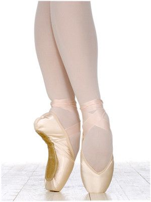 36 Best Pointe Shoes Images On Pinterest Pointe Shoes Ballet Shoe