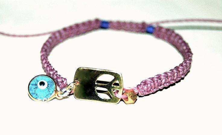 BRACELET MACRAME ET PERLES VERMEIL PEACE AND LOVE : Bracelet par evencil