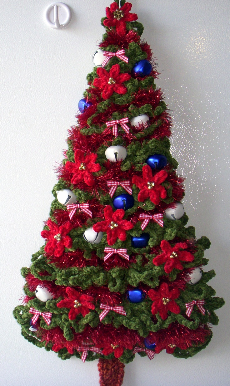 crochet christmas tree wall deco by jerre lollman crochet 2 crochet christmas trees. Black Bedroom Furniture Sets. Home Design Ideas