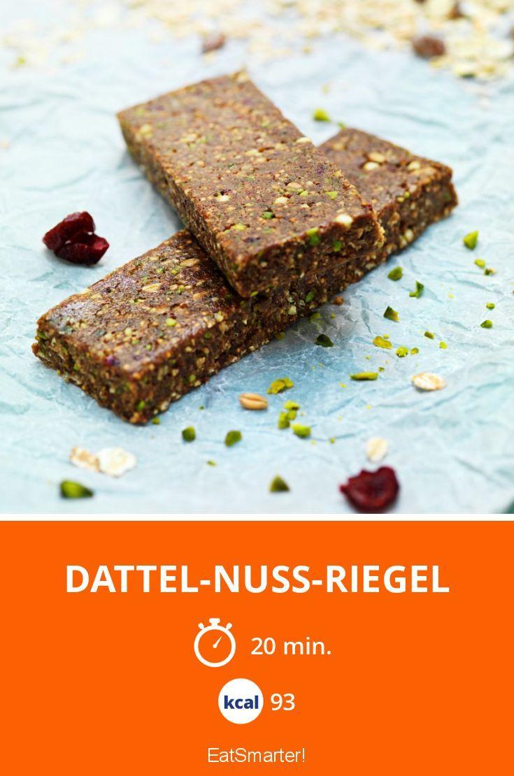 Dattel-Nuss-Riegel | mit Chiasamen eine super Omega 3-Quelle und ohne Zucker. 93 Kalorien.