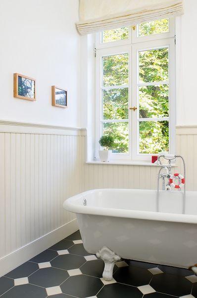 beadboard.de stilvolle Badezimmergestaltung mit freistehender Badewanne