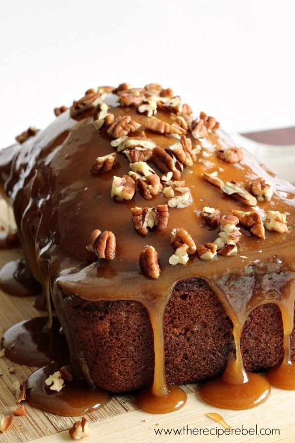 Praline-Glazed Apple Bread -- super moist quick bread loaded with apples and pecans and topped with an easy praline glaze. Perfect for fall!
