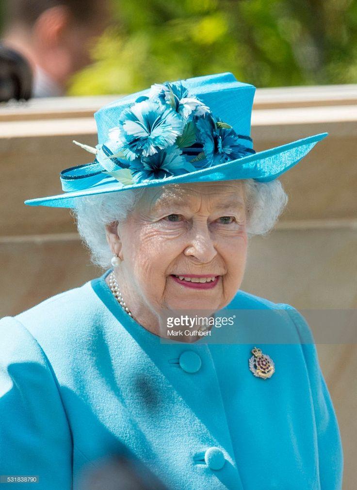 majesty queen elizabeth ii - 699×960