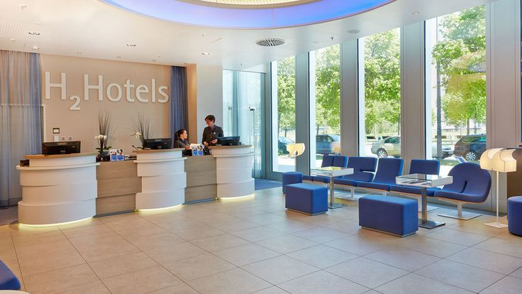 H2 Hotel München Messe - Rezeption des Hotels